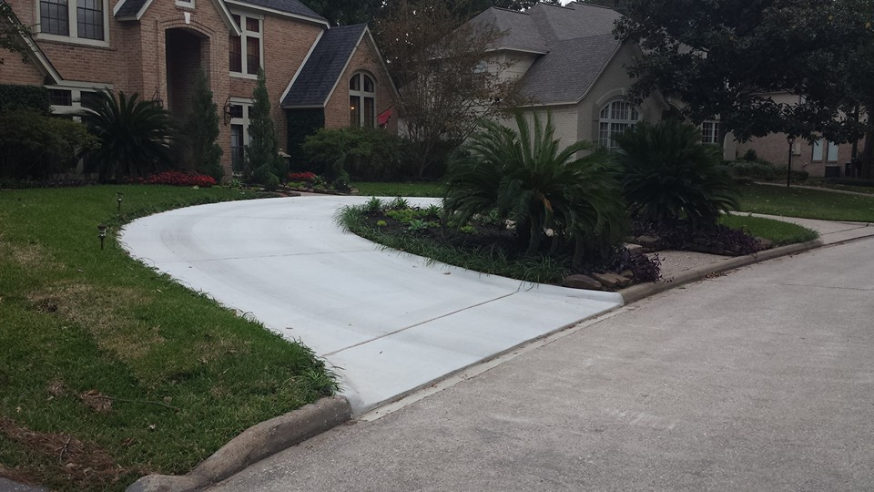 how to cut a channel in concrete driveway